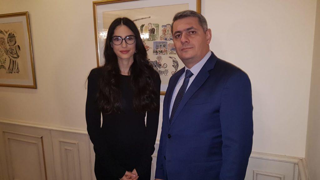 Alaturi de E.S, ambasadorul Republicii Armenia
